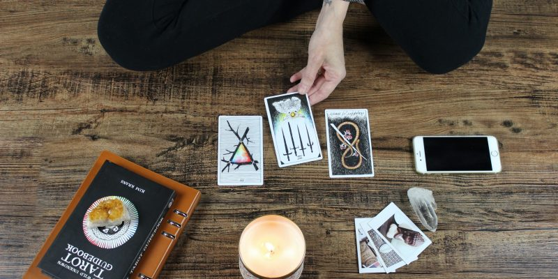 Understanding How Reading Tarot Cards Works